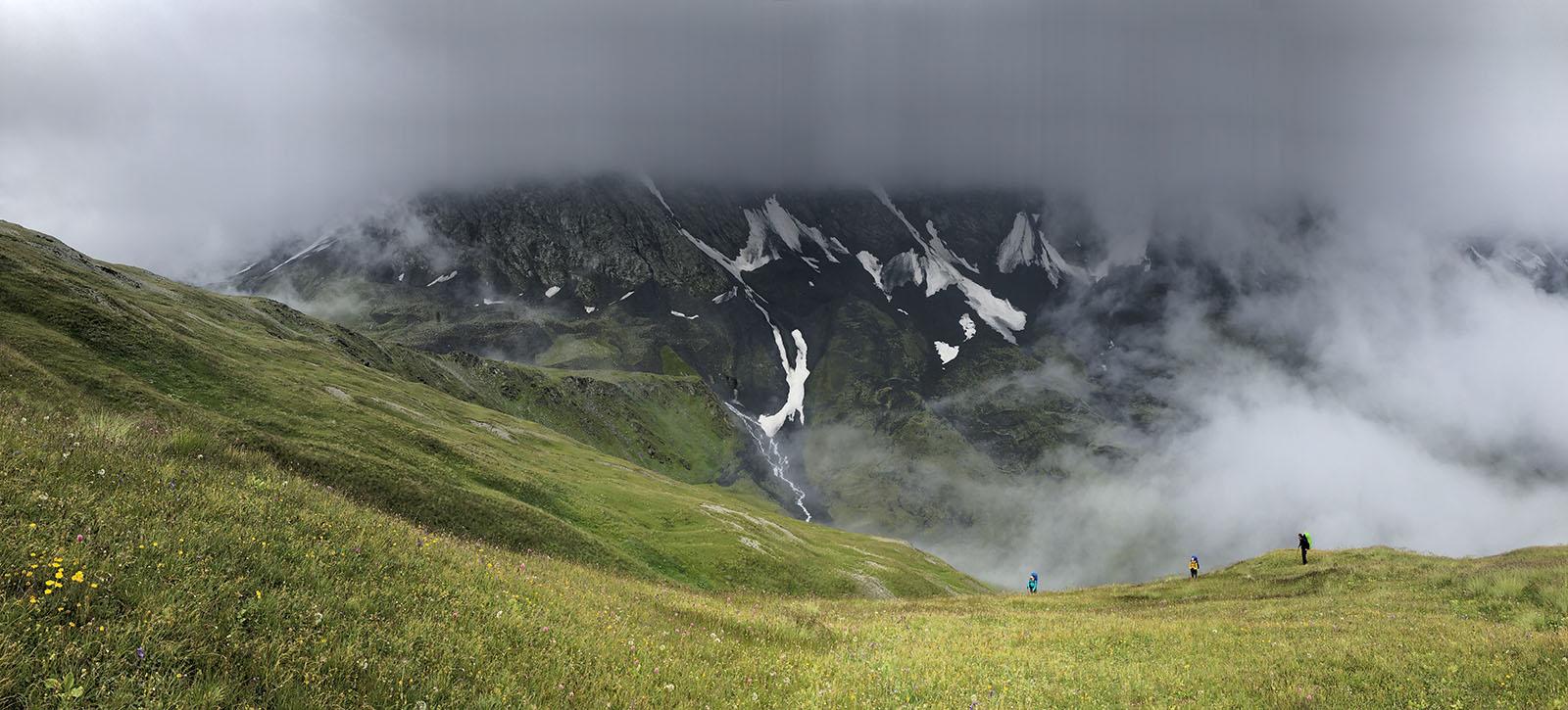 на подъеме к перевал Дзамараш