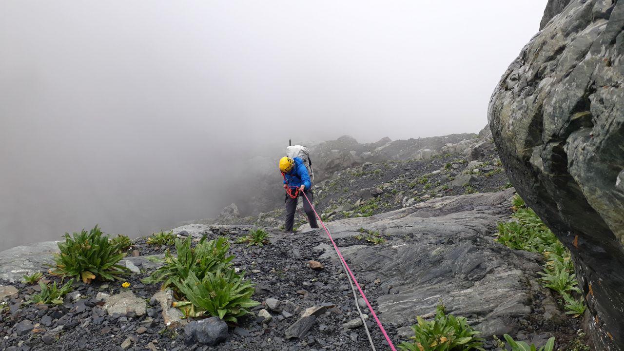 Спуск с первой ступени мидаграбинского каньона