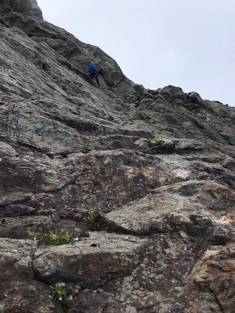 Спуск со второй ступени каньона